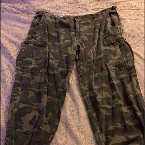 Women's plus size camo pants